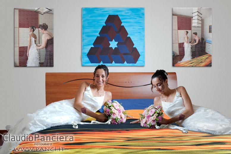 doppia sposa sul letto