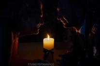 sguardi intensi al lume di candela
